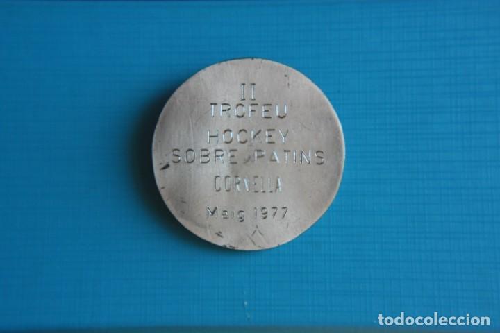Coleccionismo deportivo: II TROFERO HOCKEY SOBRE PATINES CORNELLA 1977 - Foto 3 - 263785890