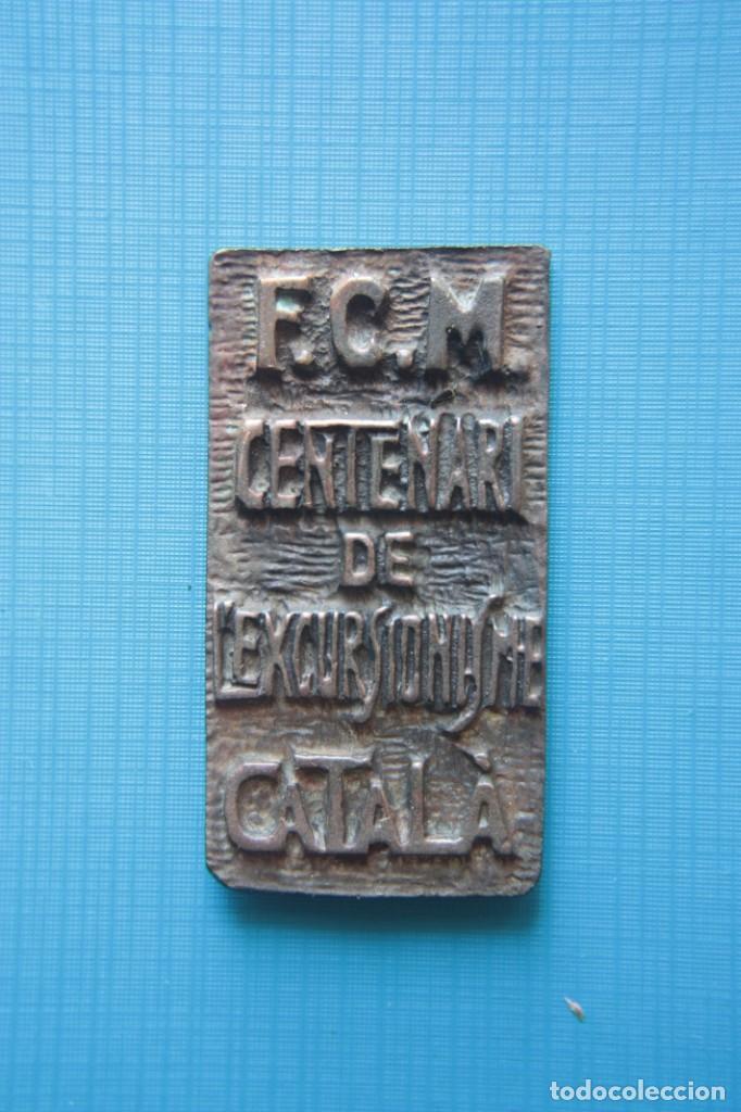 MEDALLA DEL CENTENARIO DEL EXCURSIONISMO CATALÁN, F.CM. DE BRONCE DE 60 X 32 MM. 1876 - 1976. (Coleccionismo Deportivo - Medallas, Monedas y Trofeos - Otros deportes)