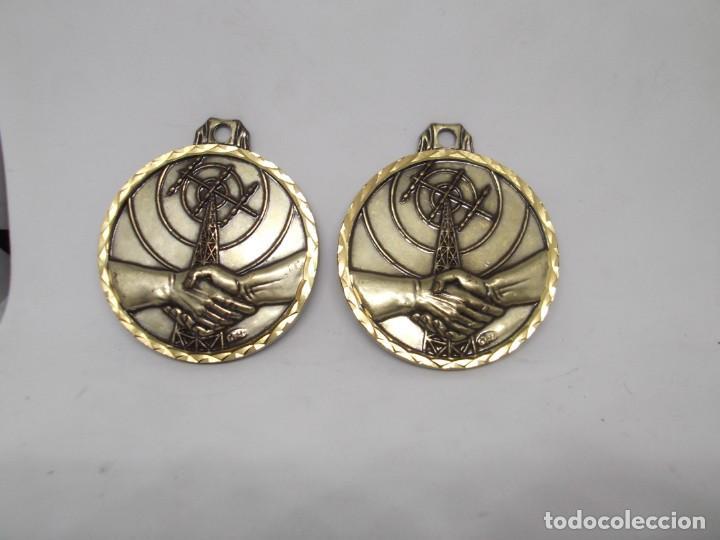 2 MEDALLAS DE COMUNICACIÓN O AMISTAD.CEBRIAN VINTAGE (Coleccionismo Deportivo - Medallas, Monedas y Trofeos - Otros deportes)