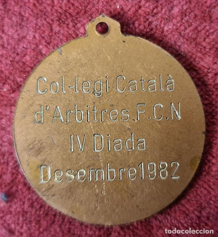 Coleccionismo deportivo: MEDALLA DE BRONCE. WATERPOLO. COLEGIO DE ARBITROS. BARCELONA. 1982. - Foto 2 - 268599624