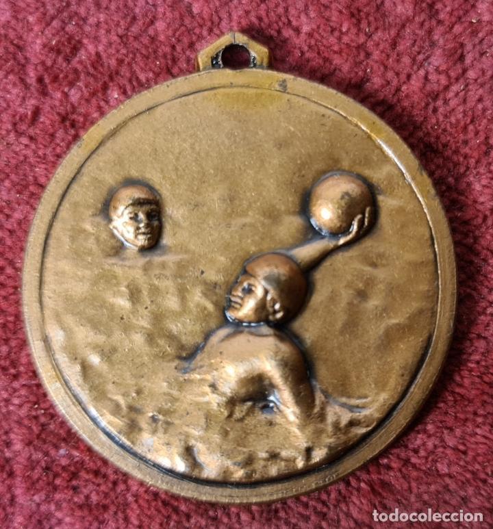 MEDALLA DE BRONCE. WATERPOLO. COLEGIO DE ARBITROS. BARCELONA. 1982. (Coleccionismo Deportivo - Medallas, Monedas y Trofeos - Otros deportes)