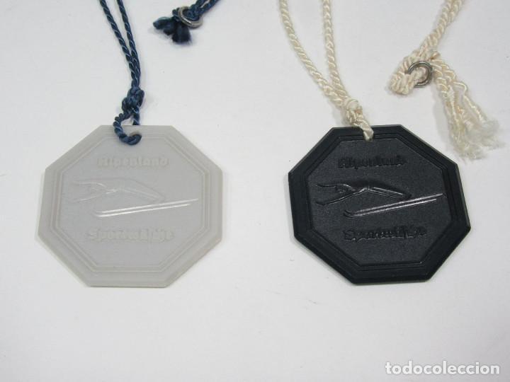 Coleccionismo deportivo: Pareja de medallas de esquí en baquelita. Años 50. Nieve. ULLR Alpenland Sportmäsche. - Foto 4 - 276945378