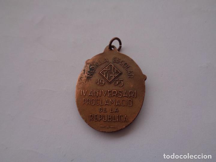 Coleccionismo deportivo: medalla escolar IV aniversario republica 1935 - Foto 2 - 278557303