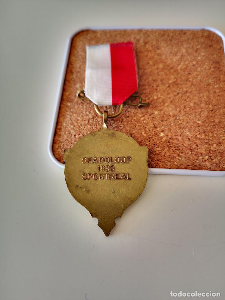 Coleccionismo deportivo: MEDALLA ATLETISMO SPADOLOOP 1983 SPORTREAL DEPORTE BUEN ESTADO PIN INSIGNIA - Foto 2 - 286006193