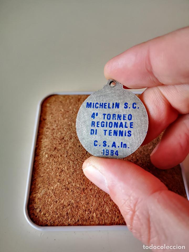 Coleccionismo deportivo: ANTIGUA MEDALLA 4 TORNEO REGIONAL DE TENIS TENNIS 1984 PIN INSIGNIA EMBLEMA BADGE - Foto 2 - 286011118