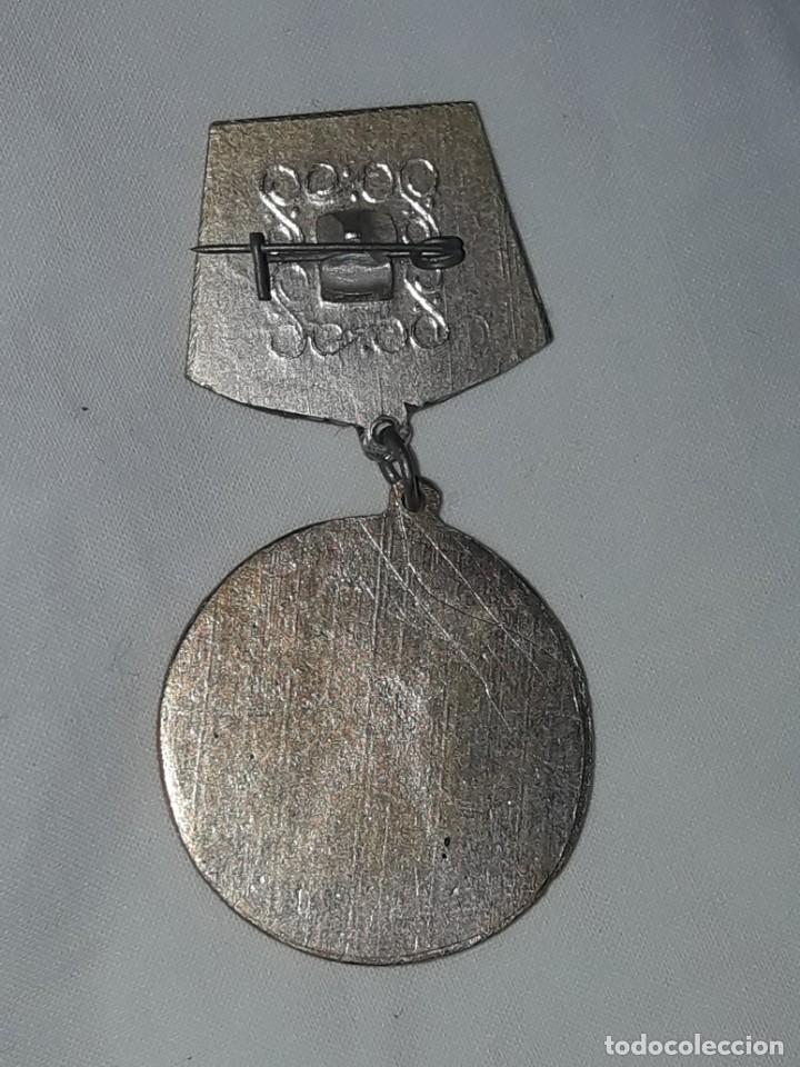 Coleccionismo deportivo: Bella medalla insignia de lucha Sambo año 1978 - Foto 4 - 286286208