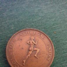 Colecionismo desportivo: ANTIGUA MONEDA OLÍMPICA HIGH JUMP 1958 COBRE. Lote 286967968