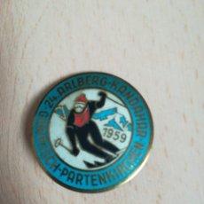 Coleccionismo deportivo: INSIGNIA GARMISCH PARTENKIRCHEN. AÑO 1959.. Lote 287875608