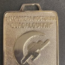 Coleccionismo deportivo: MEDALLA DEPORTIVA 10ª CARRERA NOCTURNA GUADALQUIVIR. AÑO 1999 MEDALLA-745. Lote 287944438