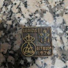 Coleccionismo deportivo: PLAQUITA DELEGACION DEL AUTOMOVIL CLUB DE CATALUÑA LERIDA 1970. Lote 295765838