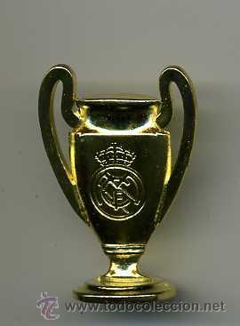 BONITA COPA CONMEMORATIVA DEL REAL MADRID__MAS COPAS EN MI TIENDA ENTRA (Coleccionismo Deportivo - Medallas, Monedas y Trofeos de Fútbol)