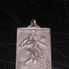 Coleccionismo deportivo: MEDALLA DE FUTBOL 1952 - 53 , MEDALLA EN RELIEVE. Lote 15939225