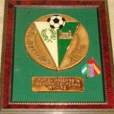 Coleccionismo deportivo: GRAN CUADRO DE FÚTBOL. ESCUDO DEL ATLÉTICO PORTADA ALTA. 1997 1998. MÁLAGA. . Lote 17584227