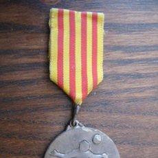 Coleccionismo deportivo: MEDALLA DE FUTBOL CATALANA EP. SARRIA 1968. Lote 19536852