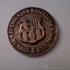 Coleccionismo deportivo: MEDALLA FUTBOL CLUB BARCELONA-FUNDAT L'ANY 1899-ELECCIONS 1997 ESCUDO Y CAMPO AL DORSO EN RELIEVE. Lote 29000403