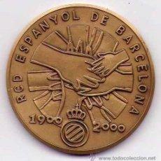 Coleccionismo deportivo: REAL CLUB DEPORTIVO ESPAÑOL, MEDALLA CONMEMORATIVA DE SUS 100 AÑOS, DE 1900 AL 2000,HISTORICA. Lote 33724252
