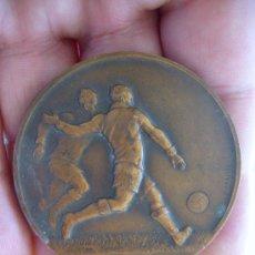 Coleccionismo deportivo: MEDALLA ANTIGUA FRANCESA DE FUTBOL . Lote 33976794