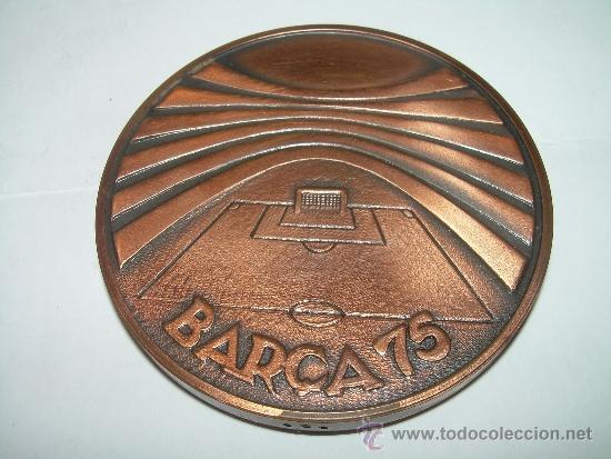 Coleccionismo deportivo: MEDALLA OFICIAL 75 ANIVERSARI... F.C. BARCELONA...1899 - 1974..EN ESTUCHE ORIGINAL. - Foto 2 - 33978771