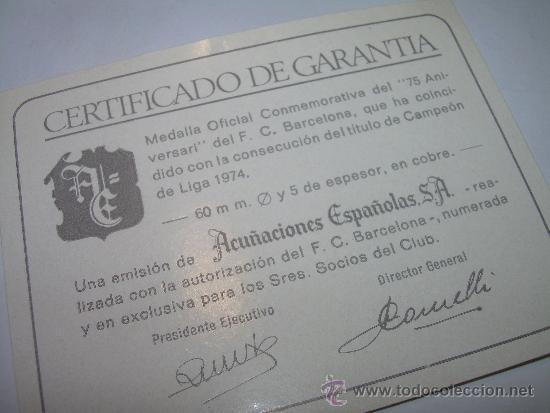 Coleccionismo deportivo: MEDALLA OFICIAL 75 ANIVERSARI... F.C. BARCELONA...1899 - 1974..EN ESTUCHE ORIGINAL. - Foto 7 - 33978771