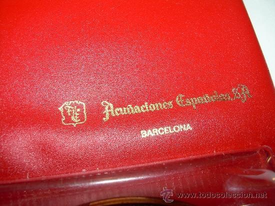 Coleccionismo deportivo: MEDALLA OFICIAL 75 ANIVERSARI... F.C. BARCELONA...1899 - 1974..EN ESTUCHE ORIGINAL. - Foto 8 - 33978771