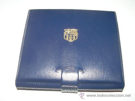 Coleccionismo deportivo: MEDALLA OFICIAL 75 ANIVERSARI... F.C. BARCELONA...1899 - 1974..EN ESTUCHE ORIGINAL. - Foto 10 - 33978771