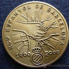 Coleccionismo deportivo: MEDALLA RCD ESPANYOL 1900 - 2000 MASCOTA COMMEMORATIVA DEL CENTENARI. Lote 34038463