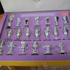 Coleccionismo deportivo: REAL MADRID. COLECCIÓN COMPLETA DE LOS TROFEOS EN MINIATURA. Lote 53185286