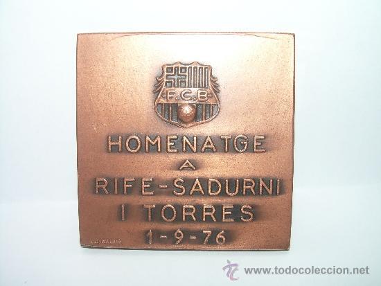 Coleccionismo deportivo: JOYERO VALLMITJANA -MEDALLA HOMENATGE A ...RIFE - SADURNI I TORRES..1/9/76..F.C. BARCELONA - Foto 2 - 34937162