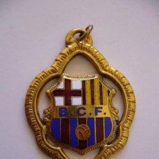 Coleccionismo deportivo: COLGANTE ANTIGUO DEL BARCELONA CLUB DE FUTBOL B.C.F.. Lote 36166171