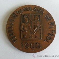 Coleccionismo deportivo: MEDALLA DE LA FEDERACION CATALANA DE FUTBOL 1900 LXXV ANIVERSARIO 1975. Lote 36951395