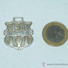 Coleccionismo deportivo: F.C.B COLGANTE LLAVEROS PLATA LEY. Lote 37981990