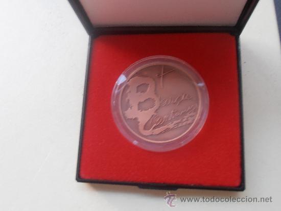 Coleccionismo deportivo: Medalla del centenario del F.C.Barcelona - Foto 3 - 38630172