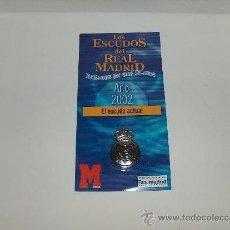 Coleccionismo deportivo: ESCUDO DEL REAL MADRID EN EL AÑO 2002.. Lote 39287312