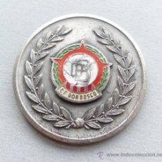 Coleccionismo deportivo: RARA MEDALLA DE FUTBOL LIGA AFICIONADOS CAMPEÓN EN 1965 - COLEGIO ESCUELA C. F. DON BOSCO. Lote 42678422