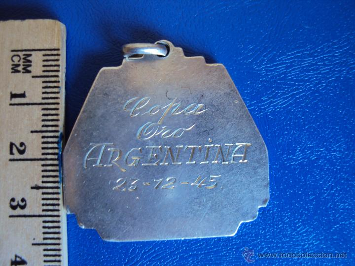 Coleccionismo deportivo: (F-469)MEDALLA A CESAR RODRIGUEZ,COPA DE ORO ARGENTINA,PARTIDO F.C.BARCELONA,5-ATHLETIC BILBAO,4 - Foto 2 - 43008787