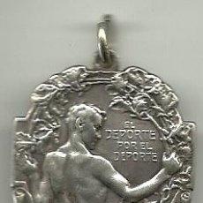 Coleccionismo deportivo: (F-704)MEDALLA DE PLATA ASOCIACION AMATEURS DE FOOT-BALL CAMPEONATO ARGENTINO 1921,R.GAYA. Lote 44105148