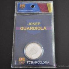 Coleccionismo deportivo: BONITA MONEDA COLECCIONABLE DE JOSEP GUARDIOLA EN PLATA PRODUCTO OFICIAL FC.BARCELONA. Lote 45268938