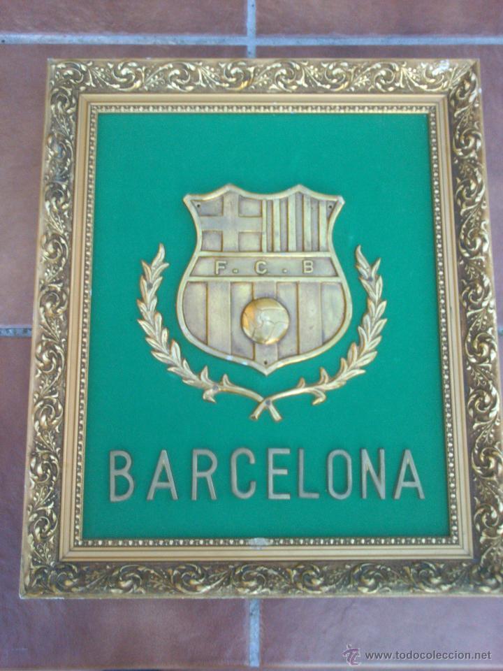 Coleccionismo deportivo: IMPRESIONANTE ESCUDO BRONCE ENMARCADO FUTBOL CLUB BARCELONA. - Foto 5 - 45563639