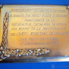 Coleccionismo deportivo: (F-1269)PLACA DE PLATA(136 GRS).AYUNTAMIENTO DE S.FELIU DE CODINAS A PABLO PORTA 15-9-68 INAGURACION. Lote 46917687