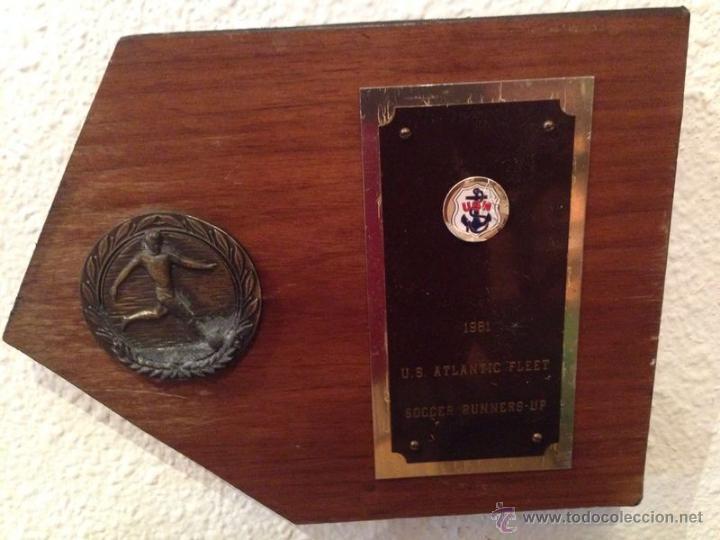 METOPA DE FUTBOL EN MADERA DE LA U.S.M. PONE 1981 SOCCER RUNNERS-UP (Coleccionismo Deportivo - Medallas, Monedas y Trofeos de Fútbol)