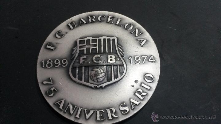 MEDALLA DEL F.C.BARCELONA EN PLATA 75 ANIVERSARIO VALLMITJANA PUNZONADA (Coleccionismo Deportivo - Medallas, Monedas y Trofeos de Fútbol)