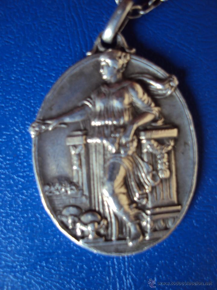 Coleccionismo deportivo: (F-0400)MEDALLA DE PLATA PRIMER PARTIDO AMATEUR EXPOSICION DE BARCELONA,19-1-1930 - Foto 2 - 49006327