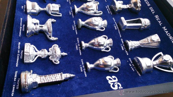 Coleccionismo deportivo: Colección copas trofeos miniatura Real Madrid del AS - Foto 2 - 49138396