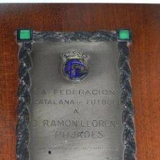 Coleccionismo deportivo: FC BARCELONA - PLACA CONMEMORATIVA DE LA FEDERACION CATALANA DE FUTBOL A RAMON LLORENS. Lote 49228937