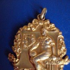 Coleccionismo deportivo: (F-0580)MEDALLA DE PLATA DORADA CAMPIONAT DE CATALUNYA DE FOOT-BALL 1925-26,GRUP A,1ER.EQUIPS,2ºPREM. Lote 49285363