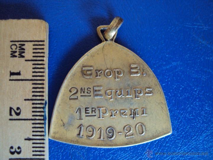 Coleccionismo deportivo: (F-0582)MEDALLA DE PLATA DORADA CAMPIONAT DE CATALUNYA DE FOOT-BALL 1919-20,GROP B,2 NS.EQUIPS,1er.P - Foto 2 - 49285631