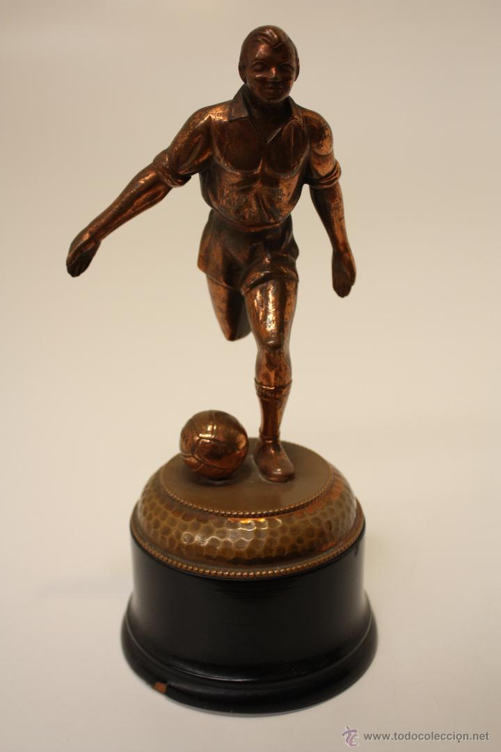 Coleccionismo deportivo: TROFEO FÚTBOL AÑOS 50 EN COBRE - Foto 2 - 57154273