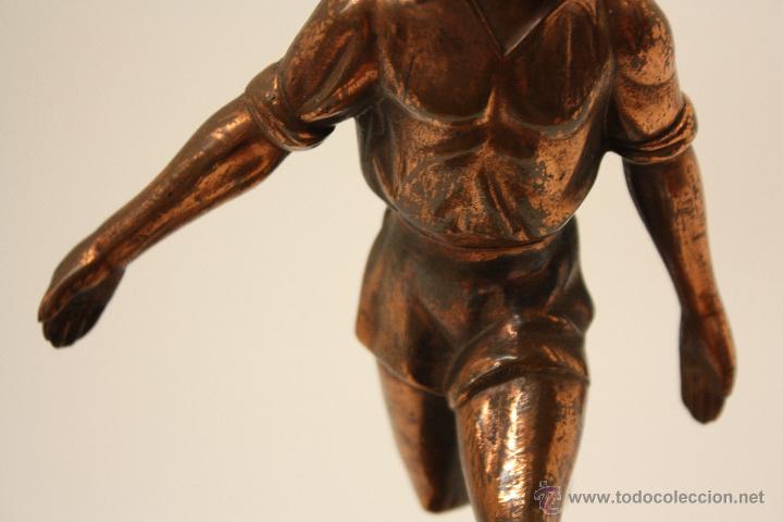 Coleccionismo deportivo: TROFEO FÚTBOL AÑOS 50 EN COBRE - Foto 5 - 57154273