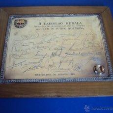 Coleccionismo deportivo: (F-1219)PLACA DE PLATA Y ORO A LADISLAO KUBALA EN SU HOMENAJE CON AFECTO DEL C.F.BARCELONA,31-8-1961. Lote 53134434