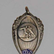 Coleccionismo deportivo: MEDALLA DE LA LIGA DE ORÁN (LIGUE D'ORANIE). PLATA Y ESMALTE. ARGELIA - FRANCIA. 1939. Lote 56137863